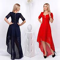 Нарядное платье с декольте и асимметричной юбкой