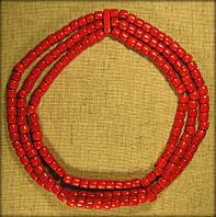 Буси тройні червоного кольору, намисто виготовлене з дерева