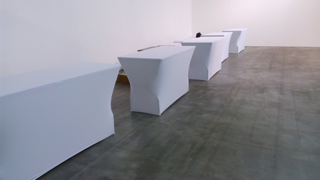 Стрейч чехлы на не стандартные высокие столы (110см высота).