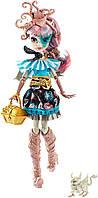 Кукла Монстер Хай Рошель Гойл с питомцем, серия Кораблекрушение Monster High Shriekwrecked Rochelle Goyle