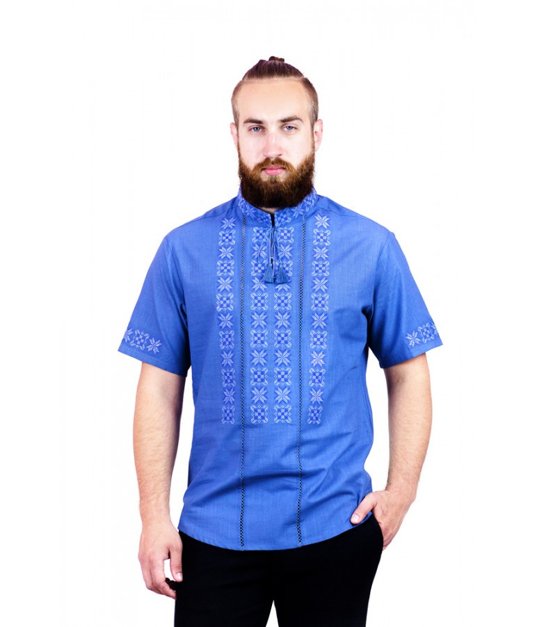 Мужская вышитая рубашка голубая крестиком с кружевом М-403-19