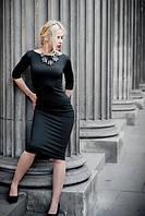 Стильное черное трикотажное платье футляр