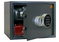 Открыть замок сейфа без повреждений.