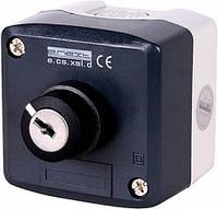 Кнопочный пост e.cs.stand.xal.d.144секторный переключатель 0-1 с ключом