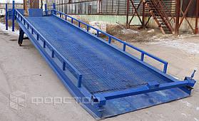 Грузоподъемность 6 тонн и высокий запас прочности рампы позволяет на ней безопасно работать складской технике с грузом.
