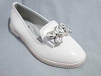 Туфли оптом для девочек, размер 31-37, лаковые с крупной пряжкой-бантом из стразов, белые