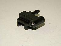 Форсунка стеклоочистителя на Мерседес Спринтер 208-416 1995-2006 MERCEDES (Оригинал) 6318690047