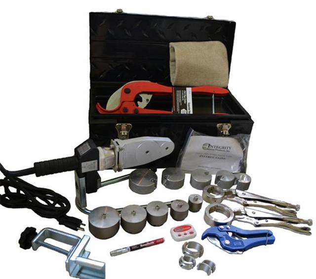Инструмент и материалы для монтажа