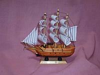 Корабль деревянный трехмачтовый сувенир 15,5х15 сантиметров