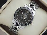 Хит 2016! Женские кварцевые наручные часы Versace серебристого цвета с орнаментом