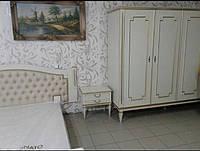 Белая спальня с тумбами и шкафом, Италия б/у