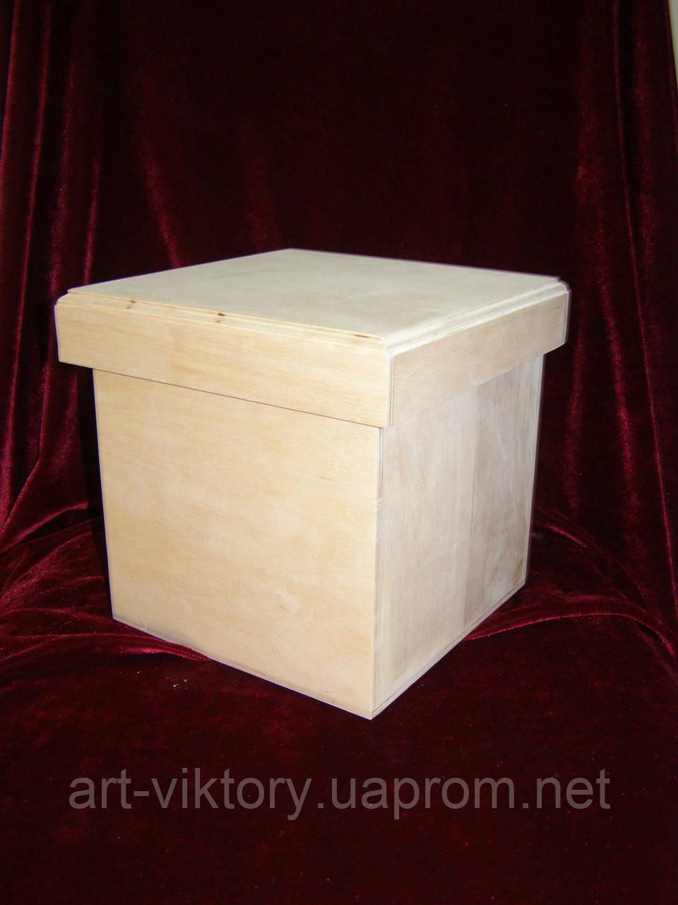 Короб квадратный с крышкой (17 х 17 х 17 см)