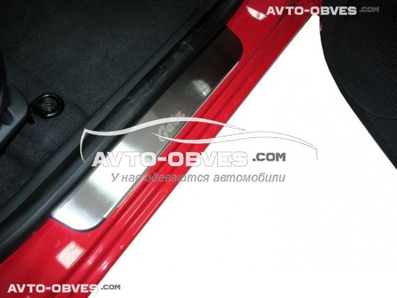 Накладки на пороги Hyundai Getz 5D