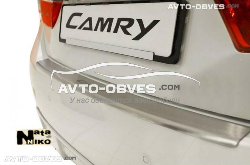 Накладка на бампер с загибом для Toyota Camry V50