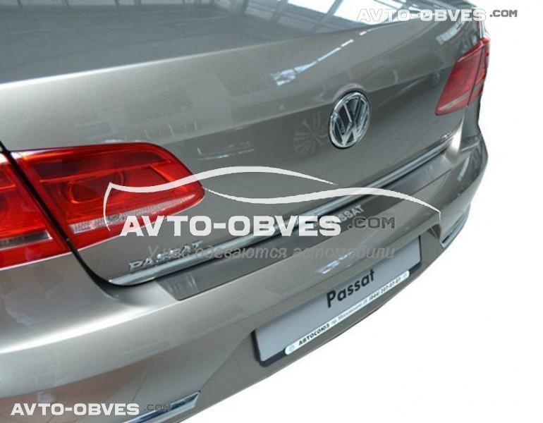Накладка на задний бампер VW Passat B7 4D 2011 - 2014 без загиба