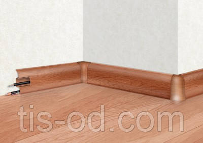 Плинтус-короб с коэкструзией