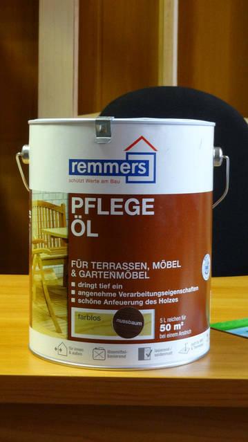 Pflege-Öl Классическое масло по уходу за древесиной на основе льняного масла с содержанием растворителей.
