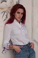 Стильная блузка белого цвета с карманами на груди