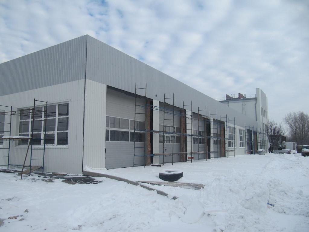 Обустройство фасада промышленного здания