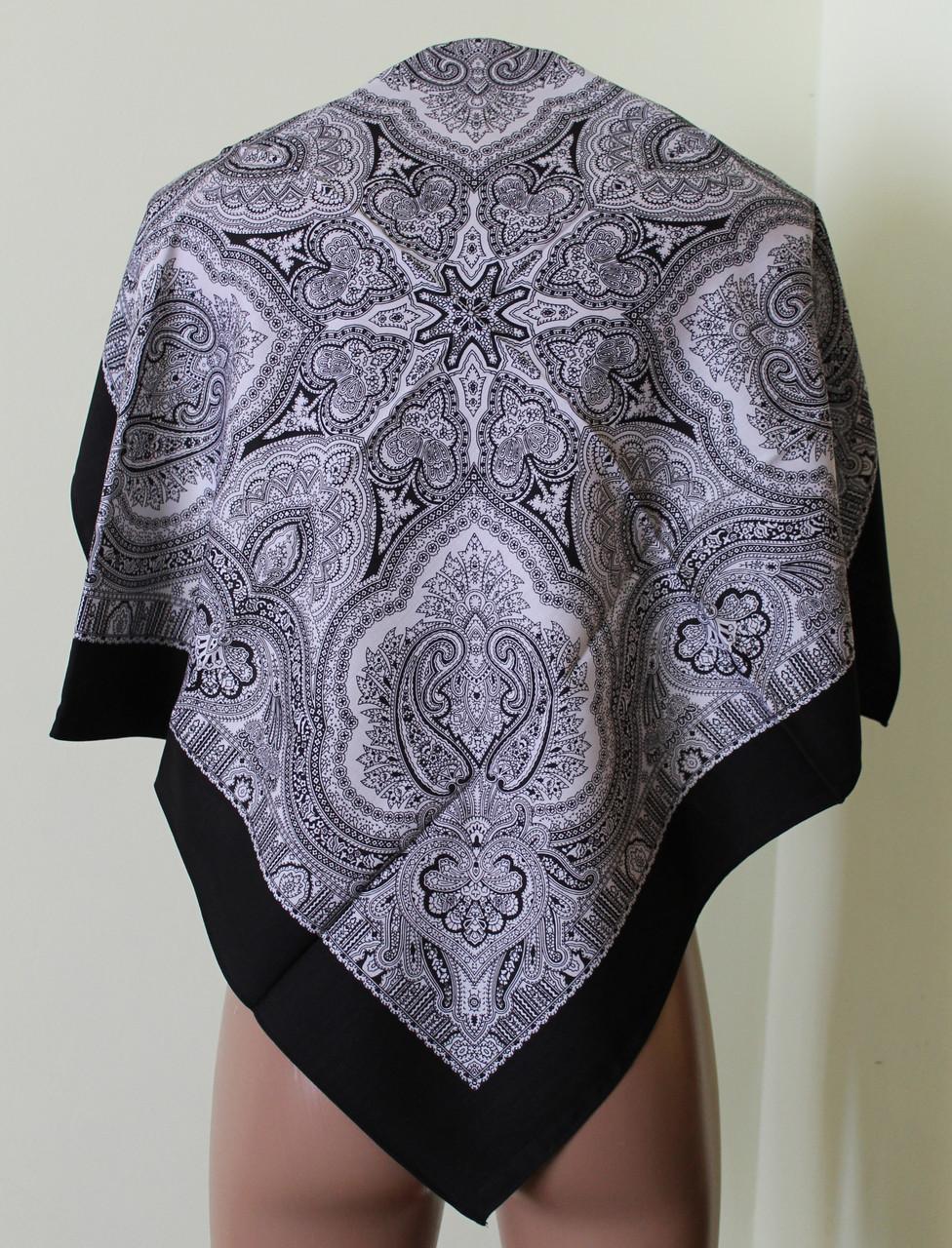 Платок чёрный шерстяной Агафия