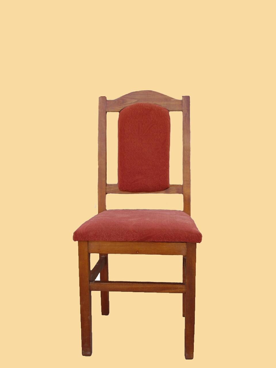 Деревянный стул под тканью Еней