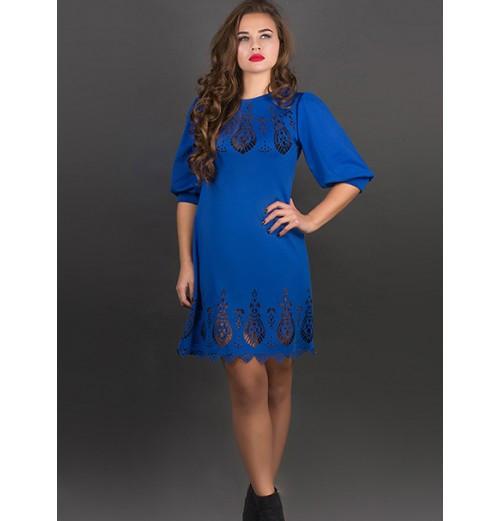 Женское молодежное платье с перфорацией Айсель цвет электрик размер 48,50,52