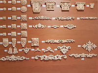 Гибкие деревянные резные орнаменты, молдинги, уголки, короны, розетки, капители.