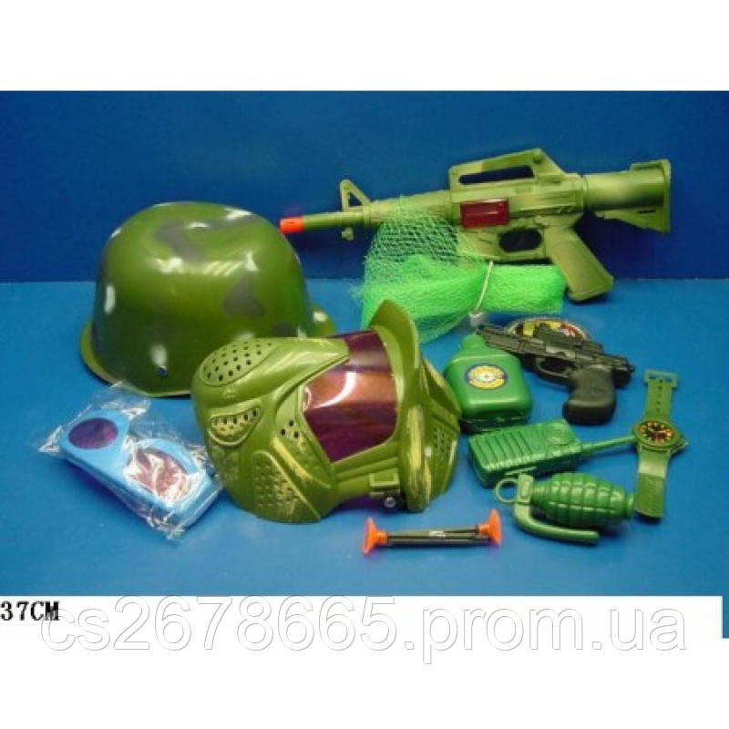 Военный набор оружия 9806 с каской