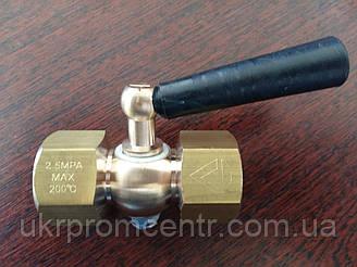 Кран трехходовой точеный с ручкой 11б18бк, 200С