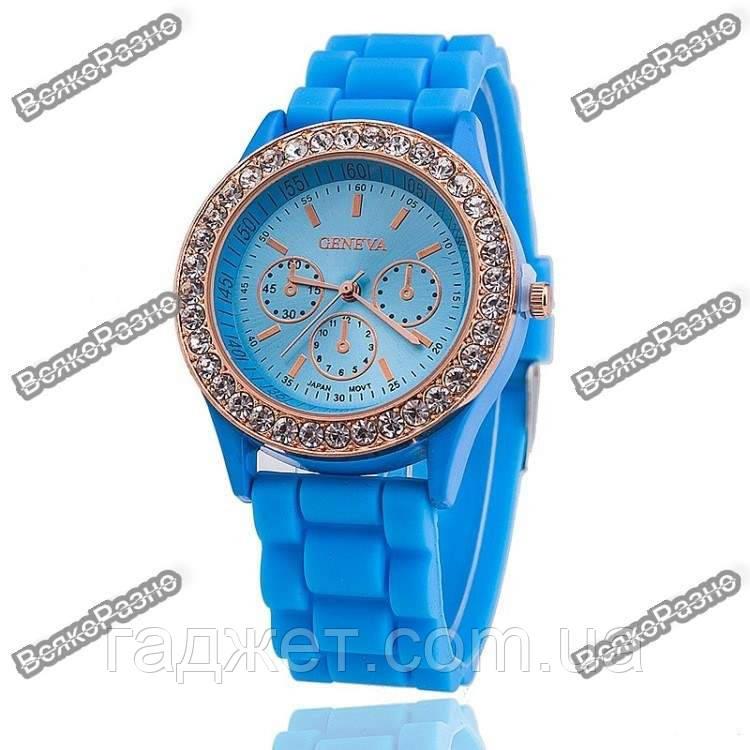 Женские часы Geneva со стразами голубого цвета
