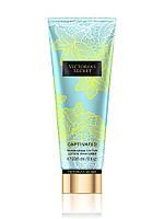 Увлажняющий парфюмированный лосьон для тела Captivated VS FANTASIES от Victoria's Secret