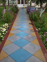 Резиновая плитка для садовых дорожек