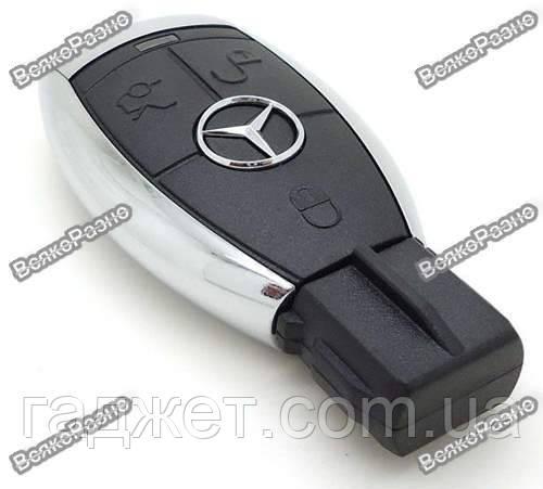 USB-флеш карта Mercedes Benz на 8 гб.