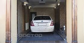 За счет высокого запаса прочности конструкции, в гараже можно хранить одновременно 2 автомобиля.