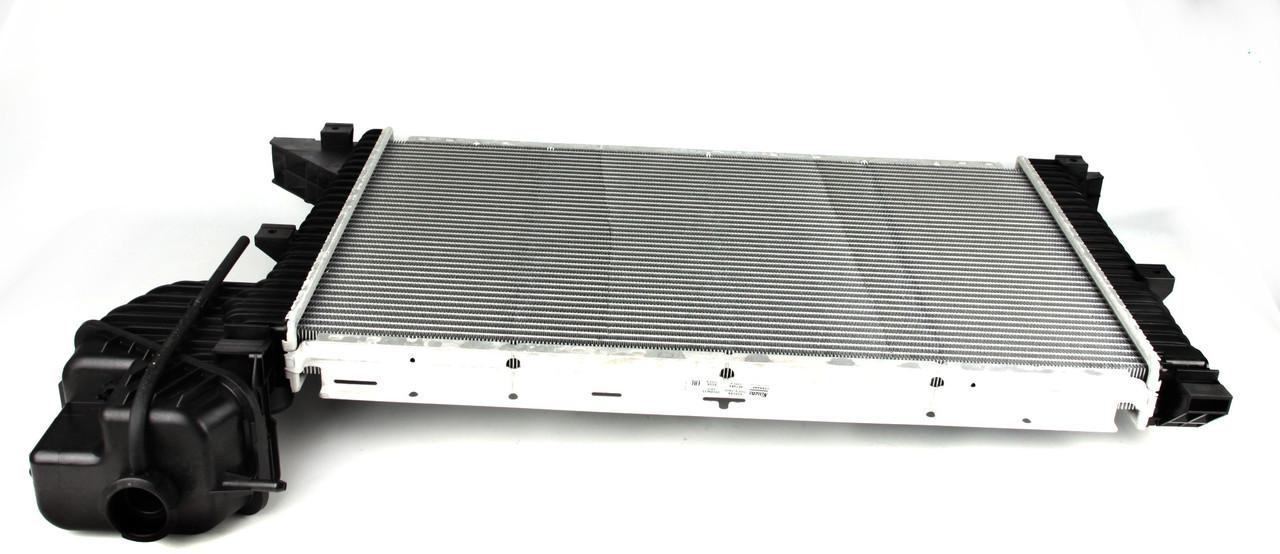 Радиатор охлаждения мерседес спринтер / Mercedes Sprinter  2.2-2.7 CDI .NISSENS (Дания) 62519A