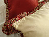 Подушка с бахрамой