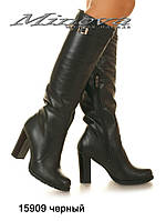 Высокие кожаные женские сапоги на каблуке