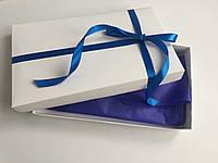 Подарочная коробка белая с лентой и наполнителем
