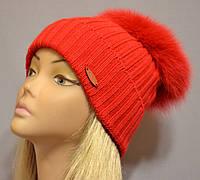 """Женская шапочка с большим песцовым помпоном """"Эскимо"""" красный"""