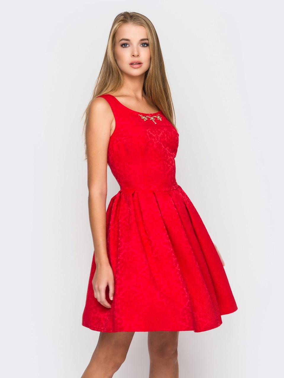 Отрезное по талии женское платье из жаккарда с расклешенной юбкой с большими складками 90182/1, фото 1
