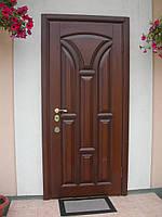 Двери с дубовыми накладками