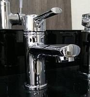 Смеситель для раковины в ванную Rocio Isla low.