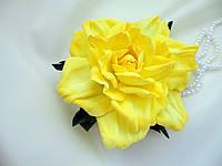 Заколка с желтой розой