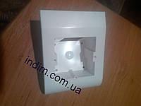 Плинтусная коробка белая, фото 1