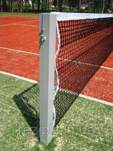 Стойки для большого тенниса сприспособлением натяжения троса.