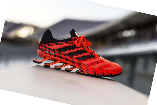 Красные мужские кроссовки Адидас