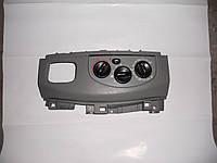 Блок управления печкой на Renault Trafic, Opel Vivaro, Nissan Primastar
