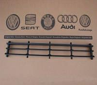 Решетка бампера передняя центральная Volkswagen, Audi, Skoda 1Z0853677C