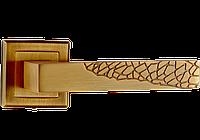 Дверная ручка на квадратной розетке Дюна античная медь