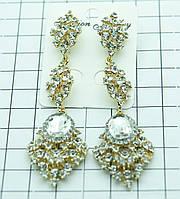 Нарядные длинные серьги под золото с алмазами. Украшения на праздник оптом. 523